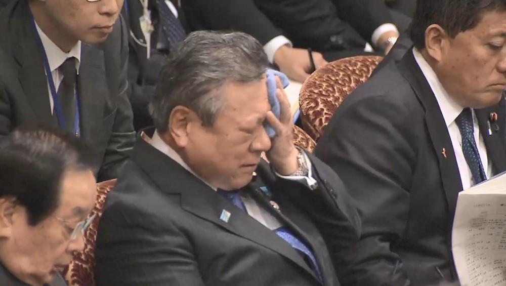 桜田大臣学歴と経歴は?ちぐはぐ答弁の言い訳の末またレンポウ発言!